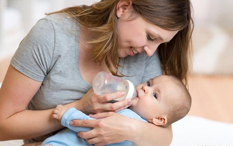 Mề đay mẩn ngứa ở trẻ sơ sinh