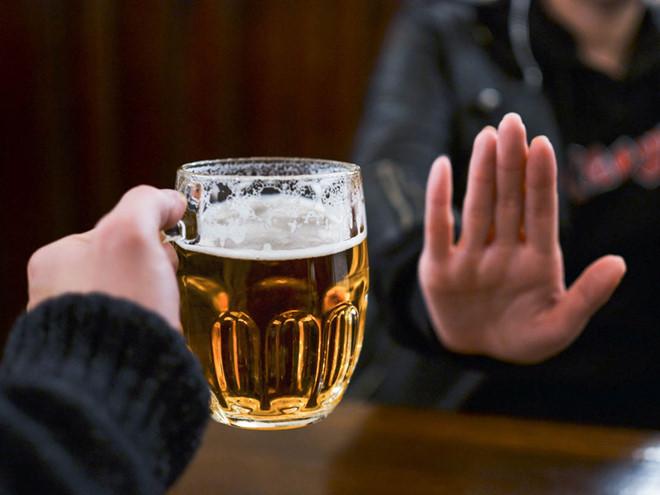 uong bia iifo - Đĩa đệm nhân tạo: Mở ra cơ hội mới cho người bệnh thoát vị đĩa đệm