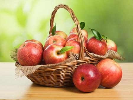 Bị sỏi thận nên ăn táo tươi