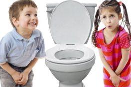 Trẻ đi tiểu nhiều lần trong ngày có bị sao không? Cách chữa tốt nhất