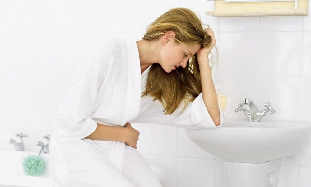 Tình trạng đi tiểu buốt ở nam giới và nữ giới