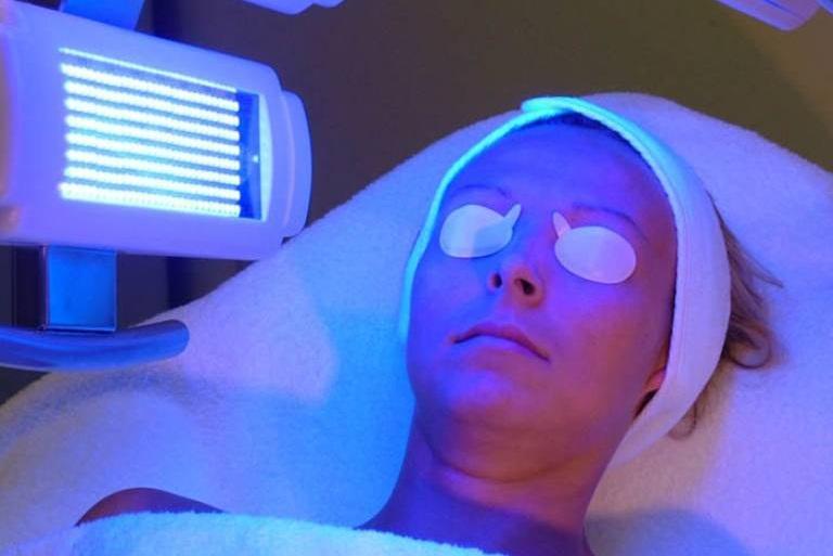 Chữa vảy nến bằng quang trị liệu