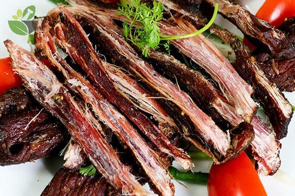 Thịt trâu gác bếp hạt dổi
