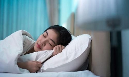Bị ngứa nổi mề đay vào ban đêm, buổi tối nên làm gì ngay?