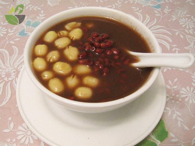 Cách nấu chè hạt sen đậu đen